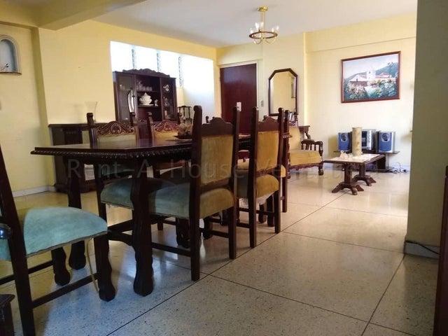 Apartamento Aragua>Maracay>Urbanizacion El Centro - Venta:24.000 Precio Referencial - codigo: 20-9218