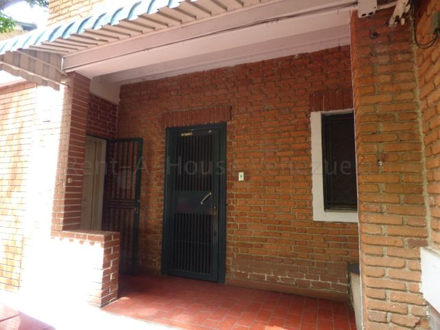 Oficina Distrito Metropolitano>Caracas>El Rosal - Alquiler:300 Precio Referencial - codigo: 20-9227