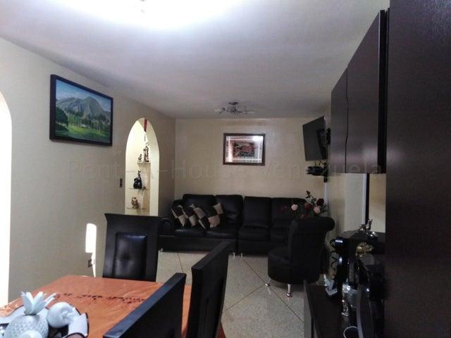 Apartamento Distrito Metropolitano>Caracas>San Jose - Venta:55.000 Precio Referencial - codigo: 20-9292
