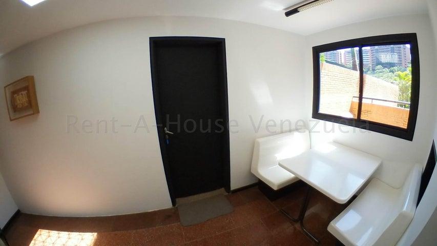 Casa Distrito Metropolitano>Caracas>Colinas del Tamanaco - Venta:750.000 Precio Referencial - codigo: 20-9295