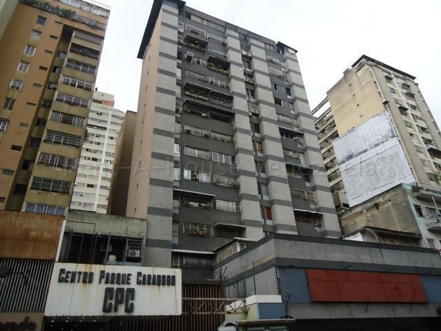 Apartamento Distrito Metropolitano>Caracas>Parroquia La Candelaria - Venta:20.000 Precio Referencial - codigo: 20-9348