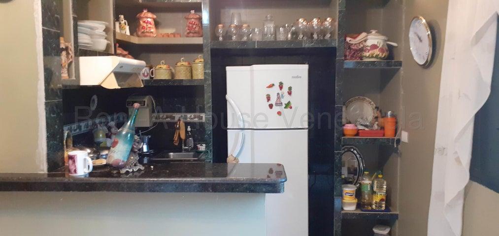 Apartamento Trujillo>Valera>Las Acacias - Venta:17.500 Precio Referencial - codigo: 20-9386