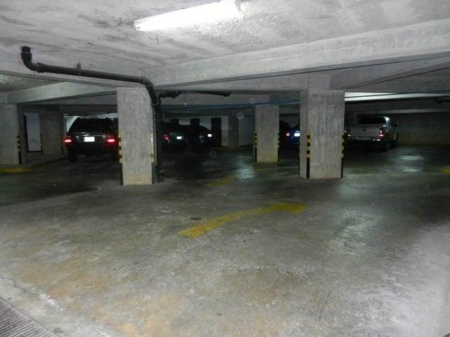 Apartamento Vargas>Catia La Mar>Playa Grande - Venta:34.000 Precio Referencial - codigo: 20-9505