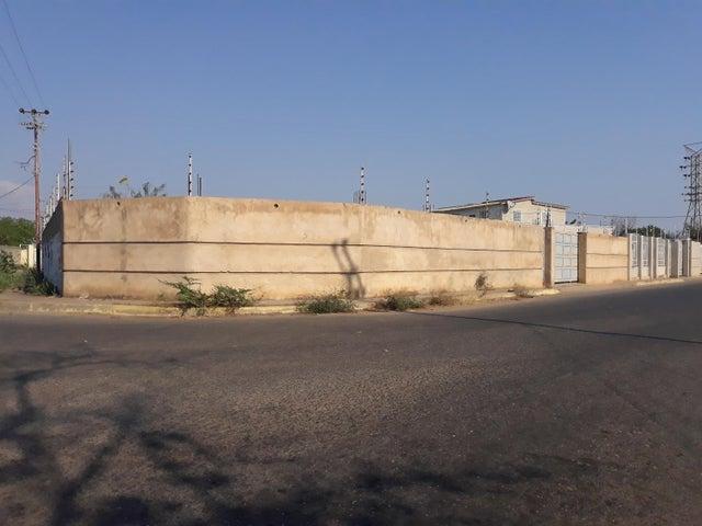 Terreno Zulia>Ciudad Ojeda>Barrio Libertad - Venta:12.500 Precio Referencial - codigo: 20-9622