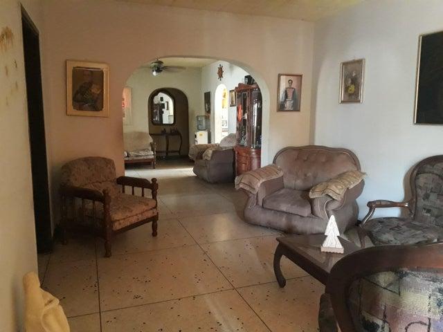 Local Comercial Zulia>Municipio San Francisco>Sierra Maestra - Venta:165.000 Precio Referencial - codigo: 20-9629