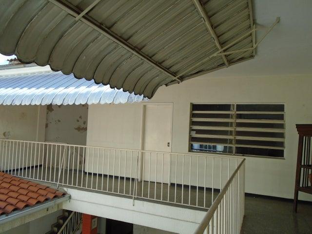 Casa Distrito Metropolitano>Caracas>Alta Florida - Venta:230.000 Precio Referencial - codigo: 20-10987