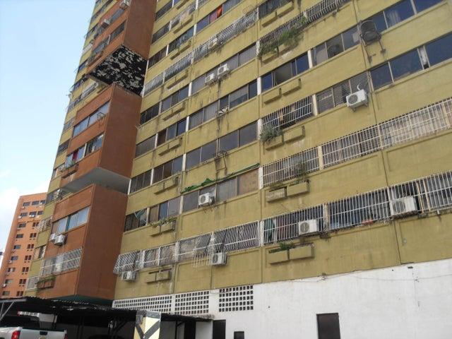 Apartamento Carabobo>Municipio Naguanagua>Palma Real - Venta:12.000 Precio Referencial - codigo: 20-9677