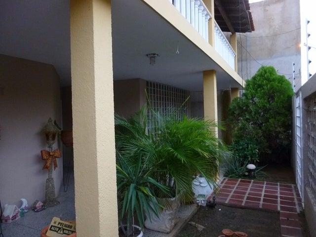 Townhouse Zulia>Cabimas>Buena Vista - Venta:35.000 Precio Referencial - codigo: 20-9705
