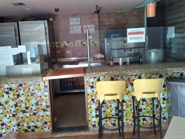 Local Comercial Distrito Metropolitano>Caracas>Los Dos Caminos - Venta:120.000 Precio Referencial - codigo: 21-14620