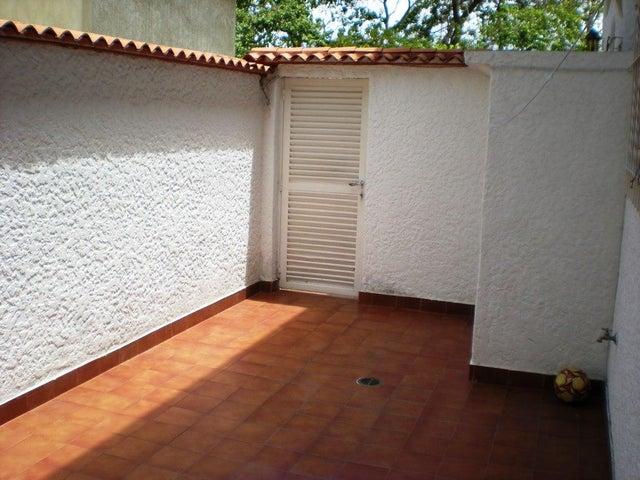 Casa Distrito Metropolitano>Caracas>Los Naranjos del Cafetal - Venta:155.000 Precio Referencial - codigo: 20-9986