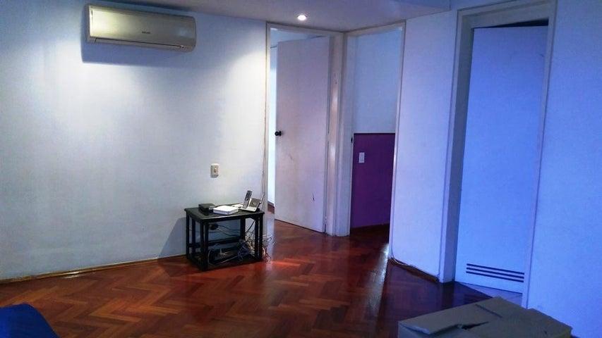 Apartamento Distrito Metropolitano>Caracas>Los Dos Caminos - Venta:195.000 Precio Referencial - codigo: 20-10009
