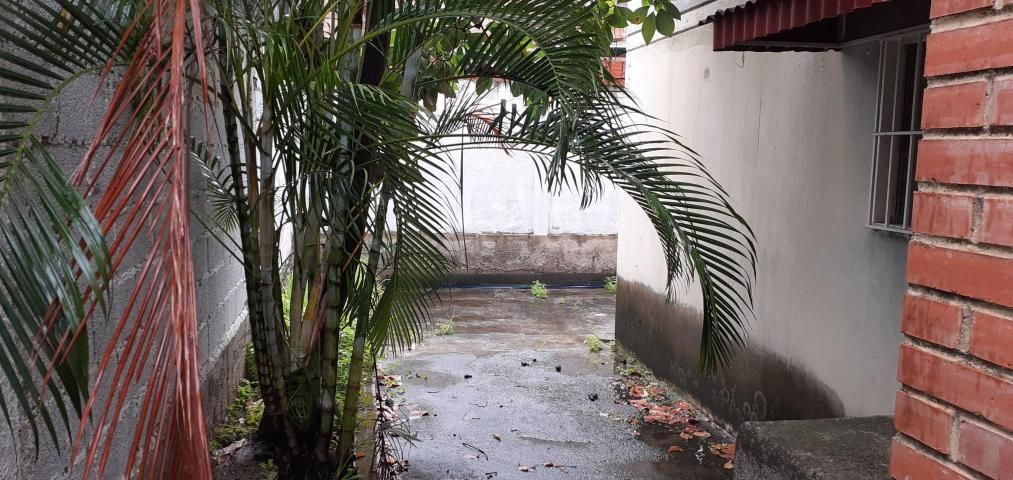 Casa Miranda>Guatire>El Castillejo - Venta:14.000 Precio Referencial - codigo: 20-11916