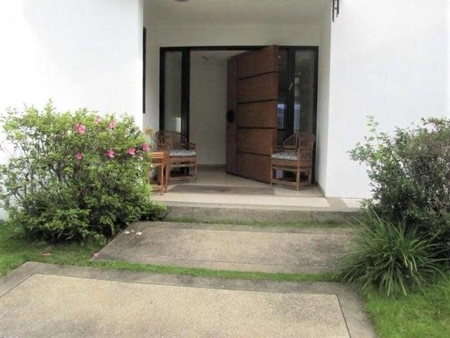 Casa Distrito Metropolitano>Caracas>El Marques - Venta:220.000 Precio Referencial - codigo: 20-10155