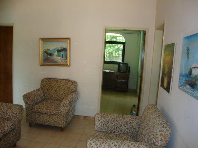 Casa Lara>Barquisimeto>Colinas De Santa Rosa - Venta:85.000 Precio Referencial - codigo: 20-2277