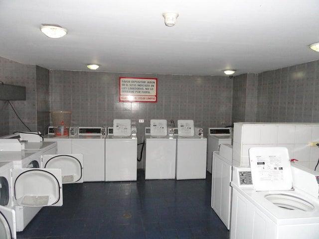 Apartamento Distrito Metropolitano>Caracas>Sebucan - Venta:75.000 Precio Referencial - codigo: 20-10188