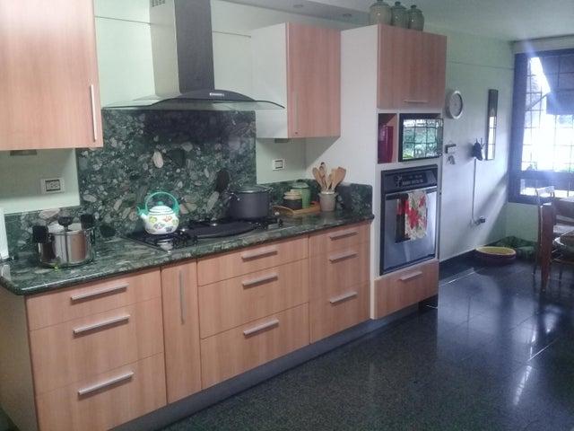 Apartamento Distrito Metropolitano>Caracas>Los Palos Grandes - Venta:450.000 Precio Referencial - codigo: 20-10380