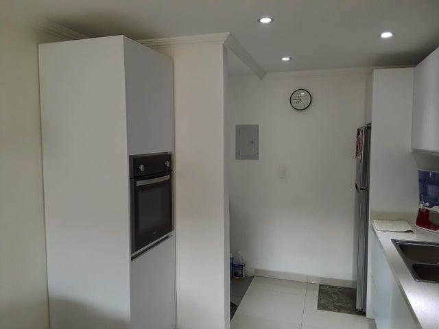 Apartamento Carabobo>Municipio San Diego>Montemayor - Venta:24.900 Precio Referencial - codigo: 20-10387