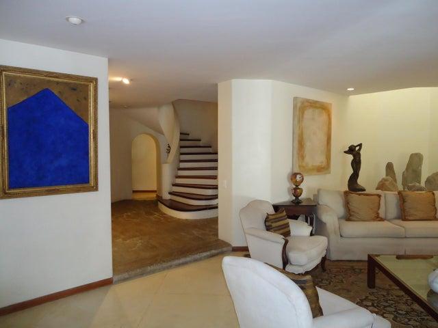 Casa Distrito Metropolitano>Caracas>La Castellana - Venta:500.000 Precio Referencial - codigo: 20-10399