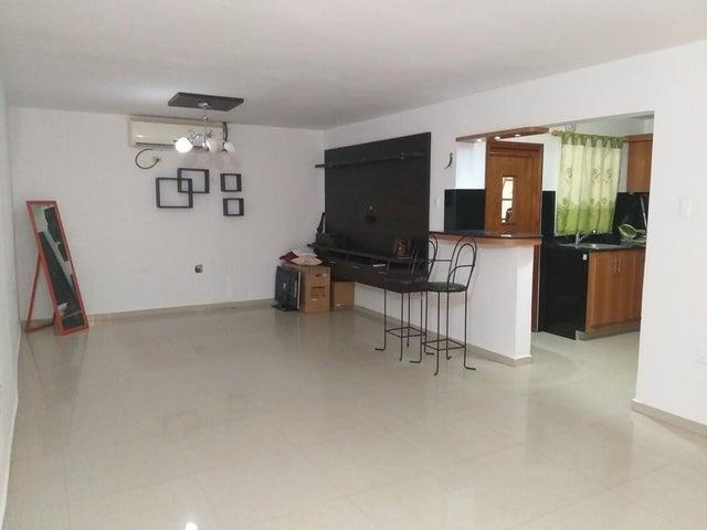 Townhouse Zulia>Ciudad Ojeda>Las Morochas - Venta:19.500 Precio Referencial - codigo: 20-10445