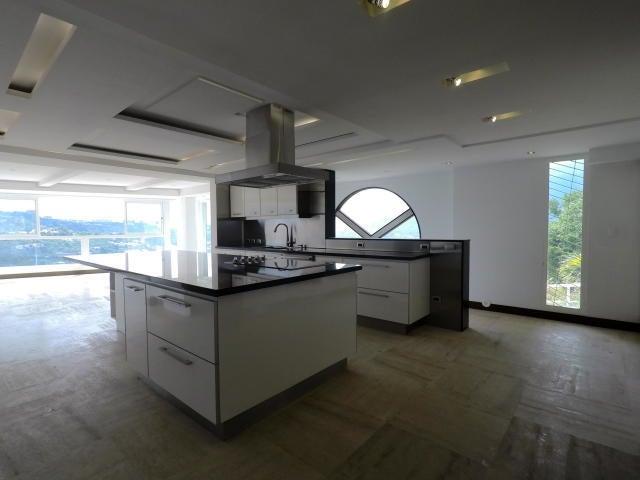 Casa Distrito Metropolitano>Caracas>El Cafetal - Venta:4.000.000 Precio Referencial - codigo: 20-10542