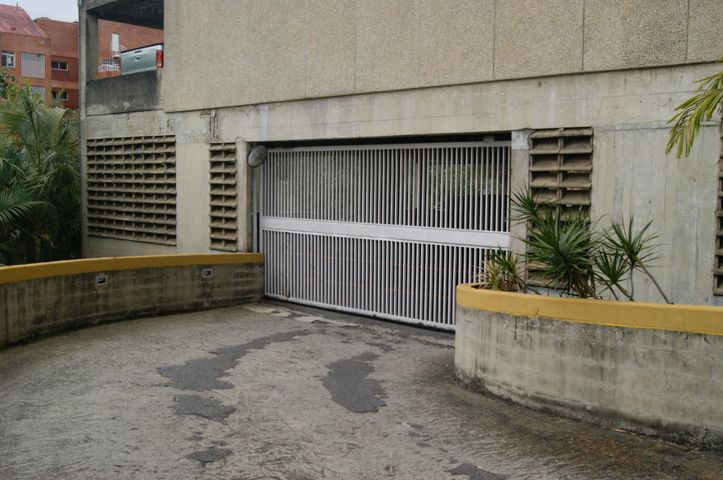 Apartamento Distrito Metropolitano>Caracas>Las Esmeraldas - Venta:215.000 Precio Referencial - codigo: 20-10650