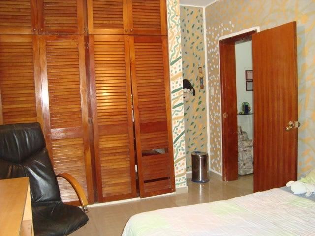 Casa Distrito Metropolitano>Caracas>Lomas de La Lagunita - Alquiler:1.500 Precio Referencial - codigo: 21-3597
