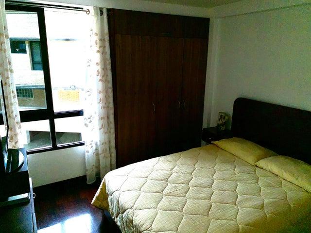 Apartamento Distrito Metropolitano>Caracas>Loma Linda - Venta:170.000 Precio Referencial - codigo: 20-10701