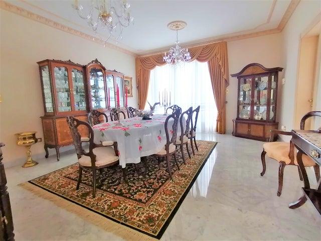 Casa Distrito Metropolitano>Caracas>Los Naranjos del Cafetal - Venta:1.500.000 Precio Referencial - codigo: 20-10945