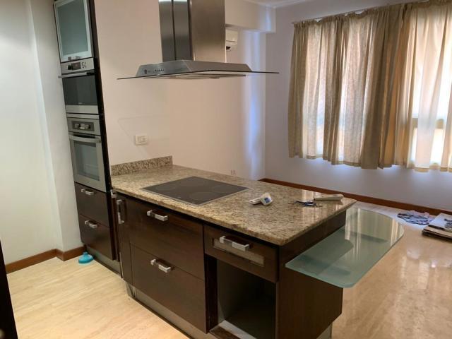 Apartamento Distrito Metropolitano>Caracas>Los Naranjos de Las Mercedes - Venta:125.000 Precio Referencial - codigo: 20-10736