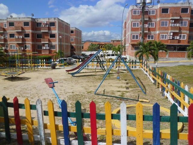 Apartamento Miranda>Guatire>El Encantado - Venta:18.000 Precio Referencial - codigo: 20-10892
