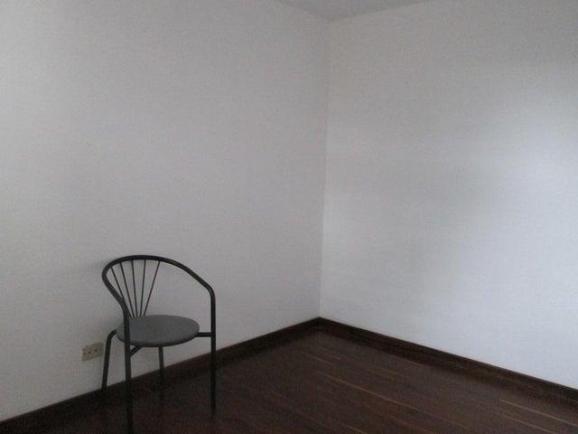 Townhouse Distrito Metropolitano>Caracas>La Boyera - Venta:190.000 Precio Referencial - codigo: 20-10954