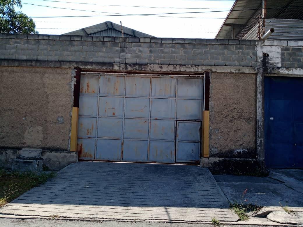 Galpon - Deposito Miranda>Guarenas>Los Naranjos - Venta:250.000 Precio Referencial - codigo: 20-10956