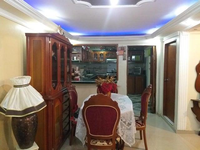 Townhouse Zulia>Cabimas>Nueva Delicias - Venta:18.000 Precio Referencial - codigo: 20-11256