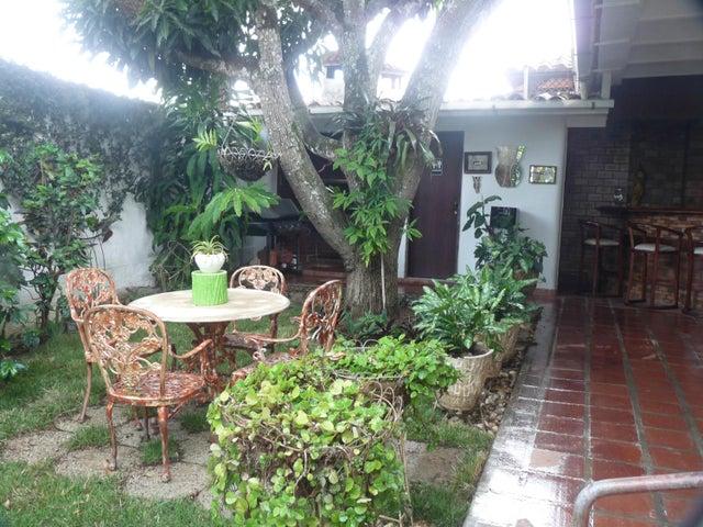 Casa Distrito Metropolitano>Caracas>El Cafetal - Venta:150.000 Precio Referencial - codigo: 20-11279