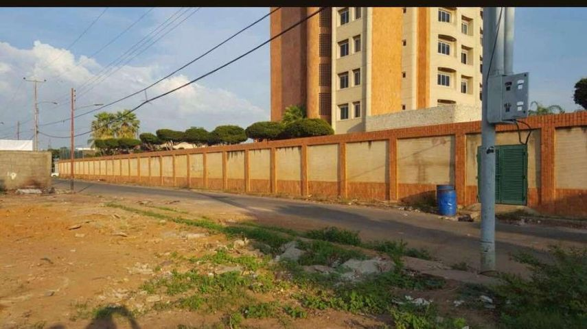 Terreno Zulia>Ciudad Ojeda>Venezuela - Venta:27.000 Precio Referencial - codigo: 20-11430