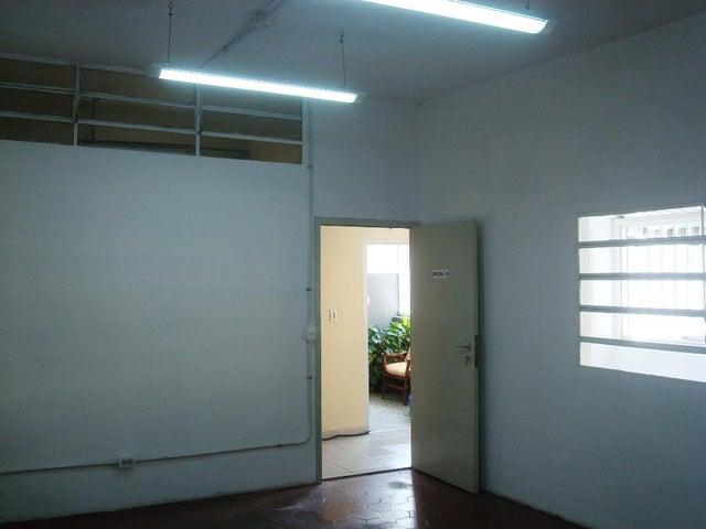 Oficina Distrito Metropolitano>Caracas>Altamira - Alquiler:260 Precio Referencial - codigo: 20-16973