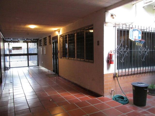 Casa Distrito Metropolitano>Caracas>La California Sur - Venta:160.000 Precio Referencial - codigo: 20-11587