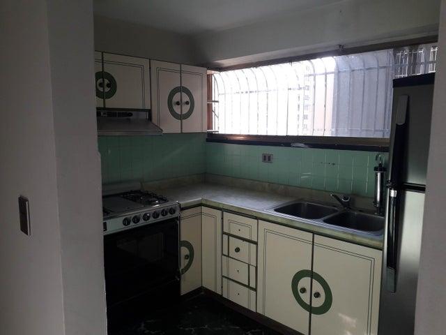 Apartamento Distrito Metropolitano>Caracas>Parroquia Altagracia - Venta:26.000 Precio Referencial - codigo: 20-18082