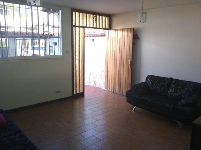 Casa Distrito Metropolitano>Caracas>Colinas de Vista Alegre - Venta:120.000 Precio Referencial - codigo: 20-12343