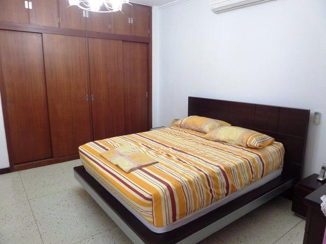 Casa Distrito Metropolitano>Caracas>La California Norte - Venta:249.000 Precio Referencial - codigo: 20-12054