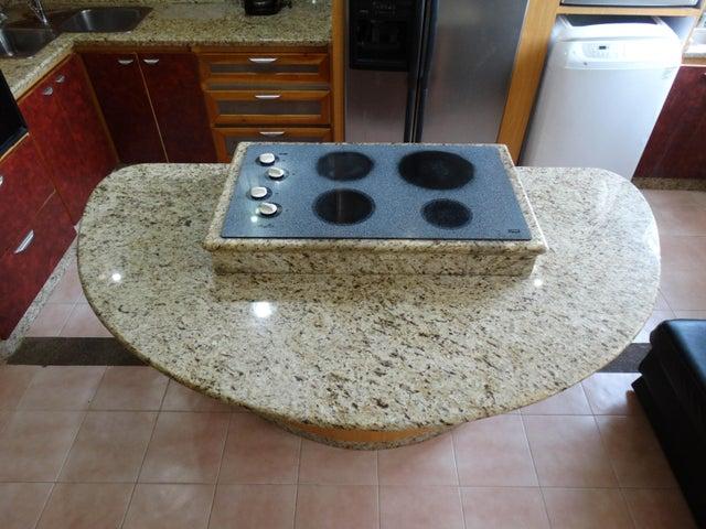 Apartamento Miranda>Higuerote>Agua Sal - Venta:16.000 Precio Referencial - codigo: 20-12194