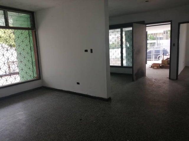 Local Comercial Zulia>Maracaibo>Bellas Artes - Alquiler:400 Precio Referencial - codigo: 20-12214