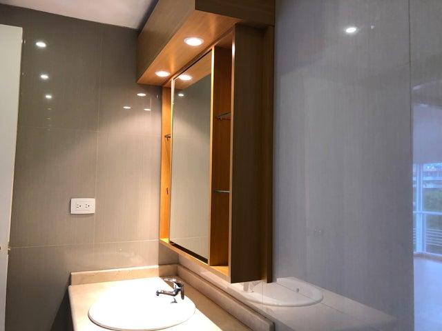 Apartamento Distrito Metropolitano>Caracas>Campo Alegre - Venta:320.000 Precio Referencial - codigo: 20-12303