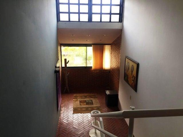 Casa Distrito Metropolitano>Caracas>Colinas del Tamanaco - Venta:415.000 Precio Referencial - codigo: 20-12346