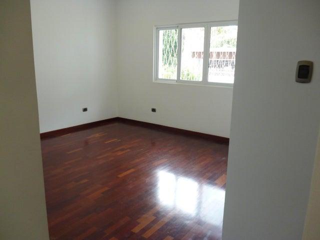 Casa Distrito Metropolitano>Caracas>Alta Florida - Venta:645.000 Precio Referencial - codigo: 20-12353