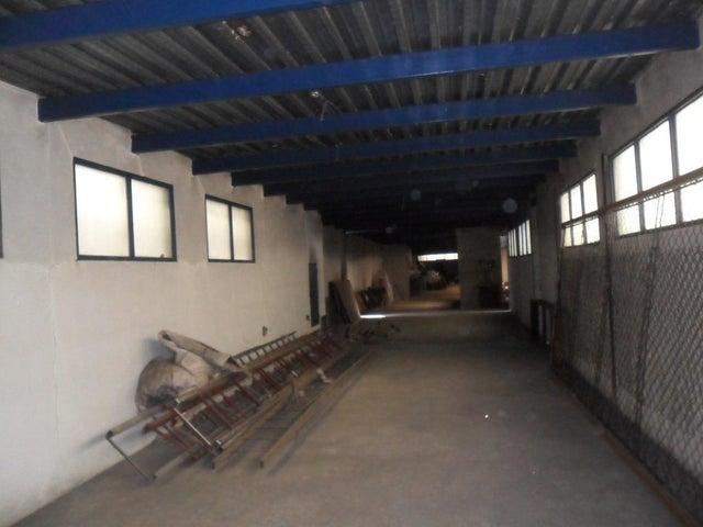 Galpon - Deposito Distrito Metropolitano>Caracas>Sarria - Venta:350.000 Precio Referencial - codigo: 20-12356