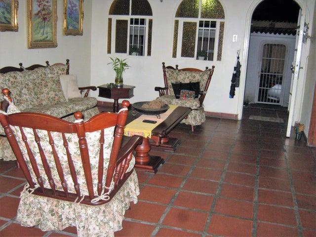 Casa Carabobo>Valencia>Prebo I - Venta:120.000 Precio Referencial - codigo: 20-12360
