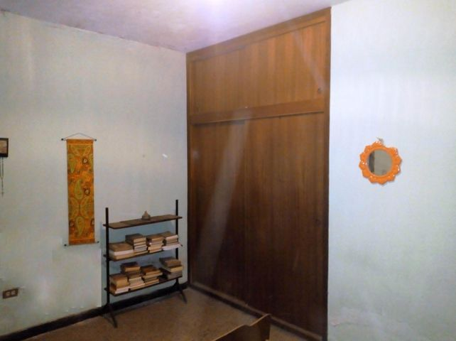 Casa Aragua>Maracay>La Cooperativa - Venta:25.000 Precio Referencial - codigo: 20-12363