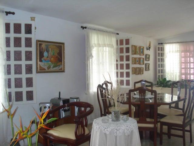 Casa Aragua>Maracay>Los Samanes - Venta:19.000 Precio Referencial - codigo: 20-12368