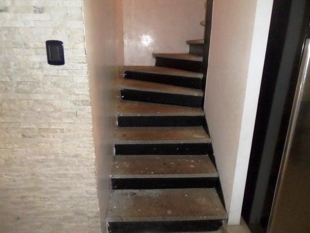 Townhouse Miranda>Guatire>El Ingenio - Venta:42.000 Precio Referencial - codigo: 20-12379